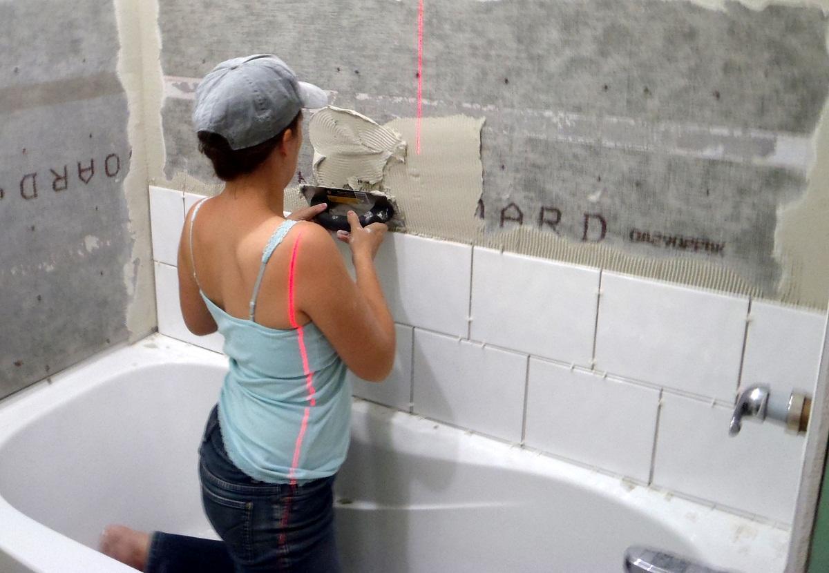 Укладка плитки в туалете своими руками видео