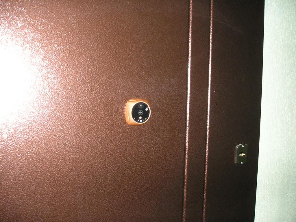 Видеоглазок на дверь