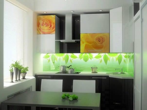 Довольно необычный и редкий элемент - подсветка кухонного фартука. Такая подсветка вряд ли полноценно заменит подсветку рабочей зоны, но совместно с ней будет выглядеть очень уместно и эффектно