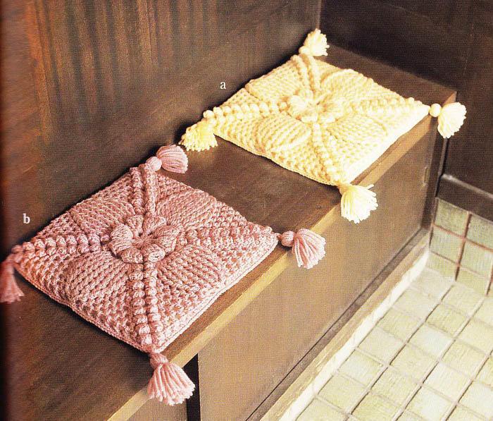 Накидки удобны еще и тем, что их можно использовать не только на табуретах, но и в других местах