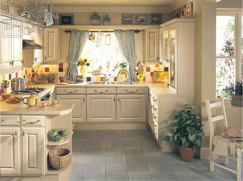 Кантри – таково дизайнерское название стиля – используют дерево, камень, а из современных материалов – керамическую плитку и декоративную штукатурку.