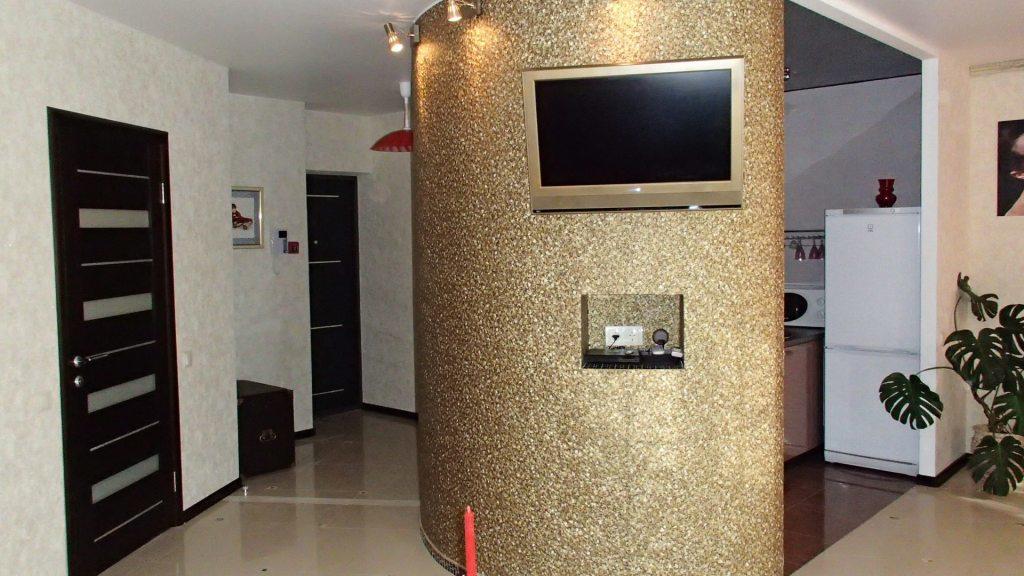 Нишу в коридоре можно использовать по-разному, главное ― чтобы она была функциональной и практичной