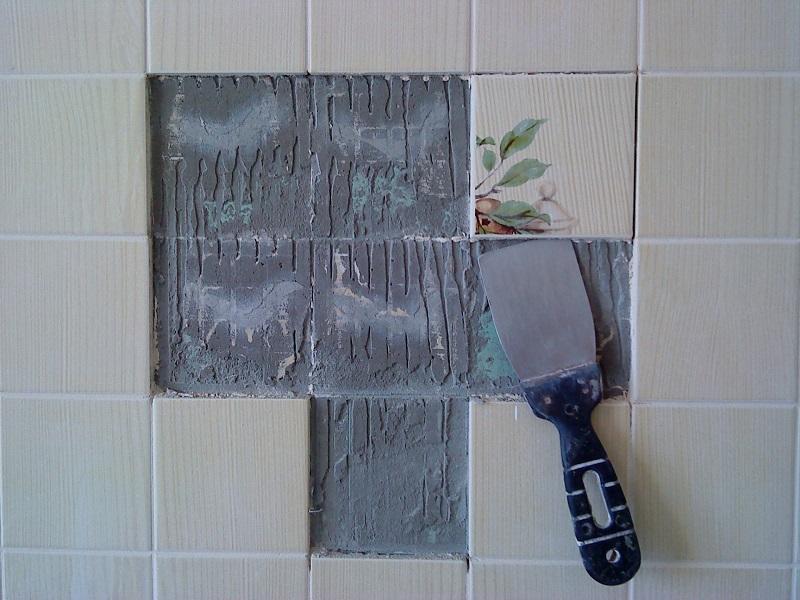 Если вы решили самостоятельно произвести демонтаж плитки, тогда следует тщательно придерживаться правил безопасности