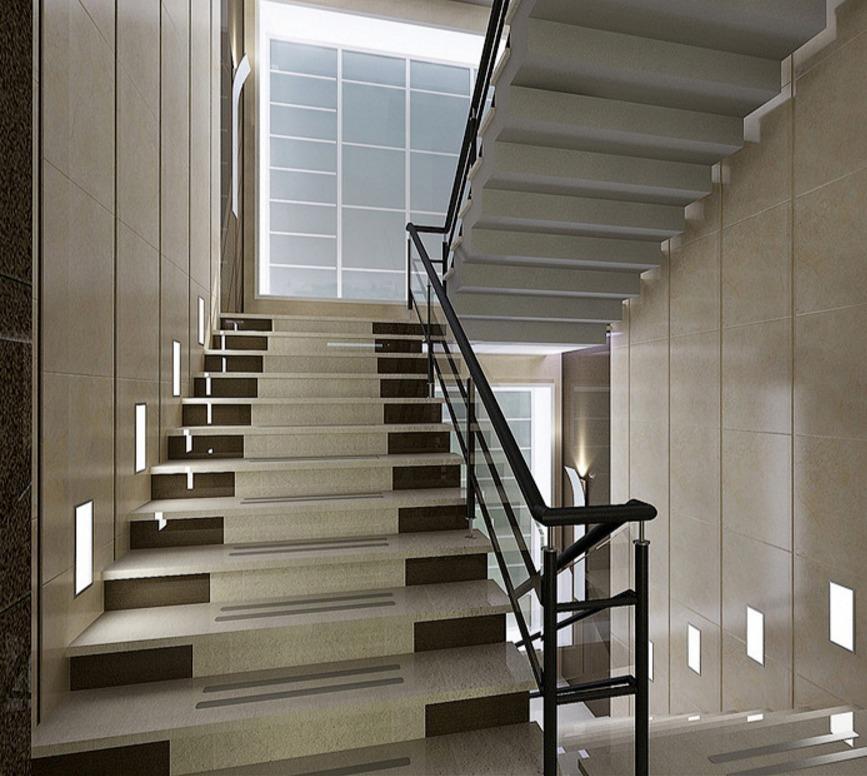 Устанавливая лестницу в многоэтажном доме, необходимо соблюдать правильное расстояние между пролетами