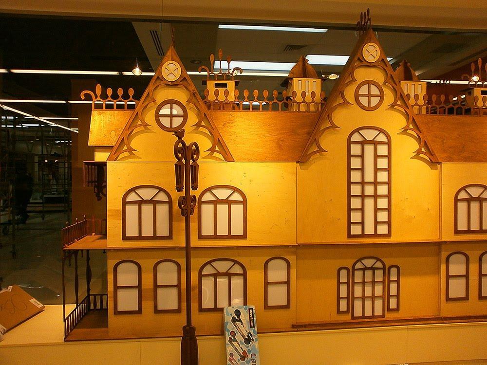 Очень красивым и необыкновенным получится замок из фанеры, который обязательно понравится каждому ребенку