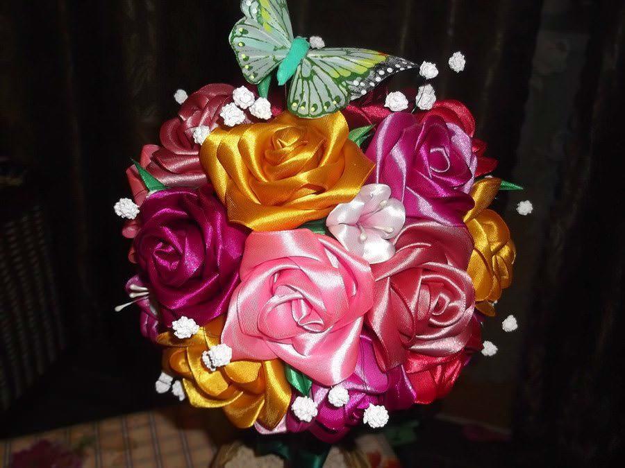 Ширина ленты для цветка должна быть не менее 2,5 см, длина – 20 см. Цвет можно выбрать любой