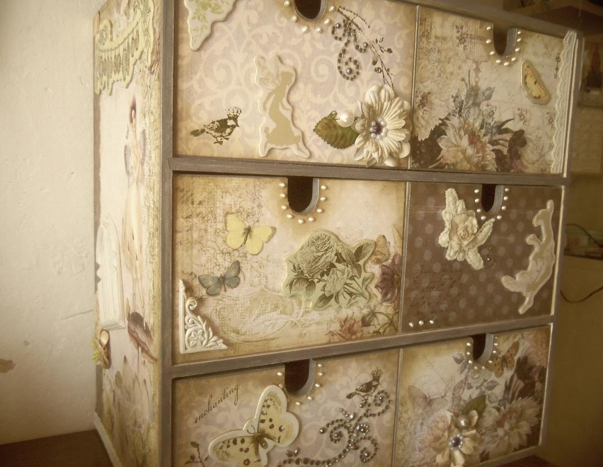 100_2042 Декупаж старого шкафа своими руками фото: кухонный мастер-класс, как сделать оформление двери шкафчика