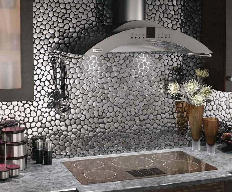 Стеклянная мозаика в кухне очень эффектно фото