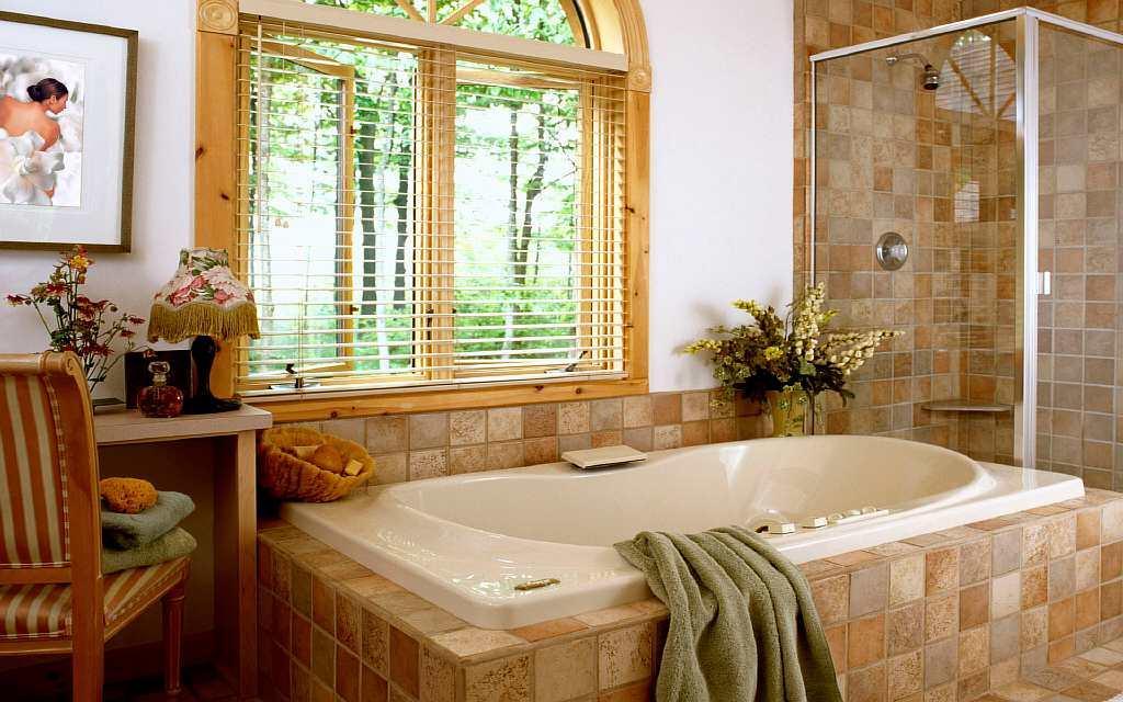 Для ванной нужны специальные обои, которые отталкивают влагу и пыль