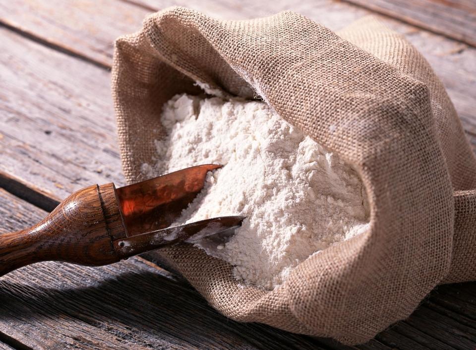 Крахмал в качестве приманки для муравьев используется в комплексе с другими смесями