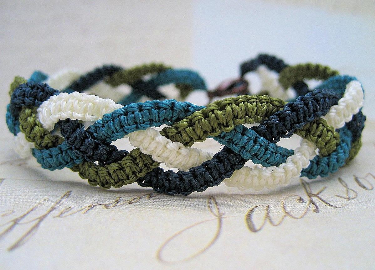 2816252ba32a2eee8f50117e8e97b477 Макраме браслеты: схемы плетения и видео, с ниток как сплести своими руками, для начинающих с бусинами стиль