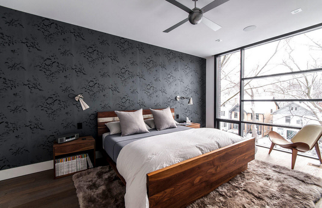 Выбрать нужную модель проще всего в специализированном мебельном магазине — там понравившуюся кровать можно детально осмотреть и измерить