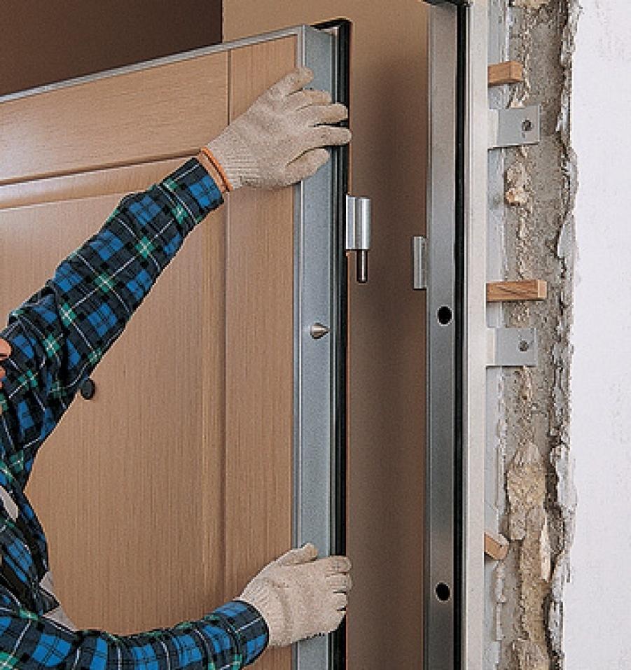 Для того чтобы быстро установить дверную коробку своими руками, следует заранее подготовить инструменты и материалы для работы
