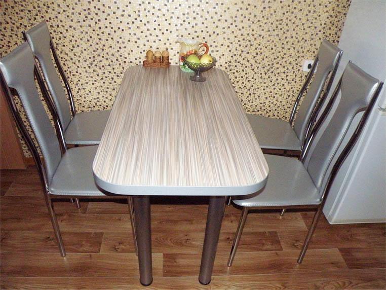 Один из наиболее простых и недорогих способов декорирования - самоклеящаяся пленка