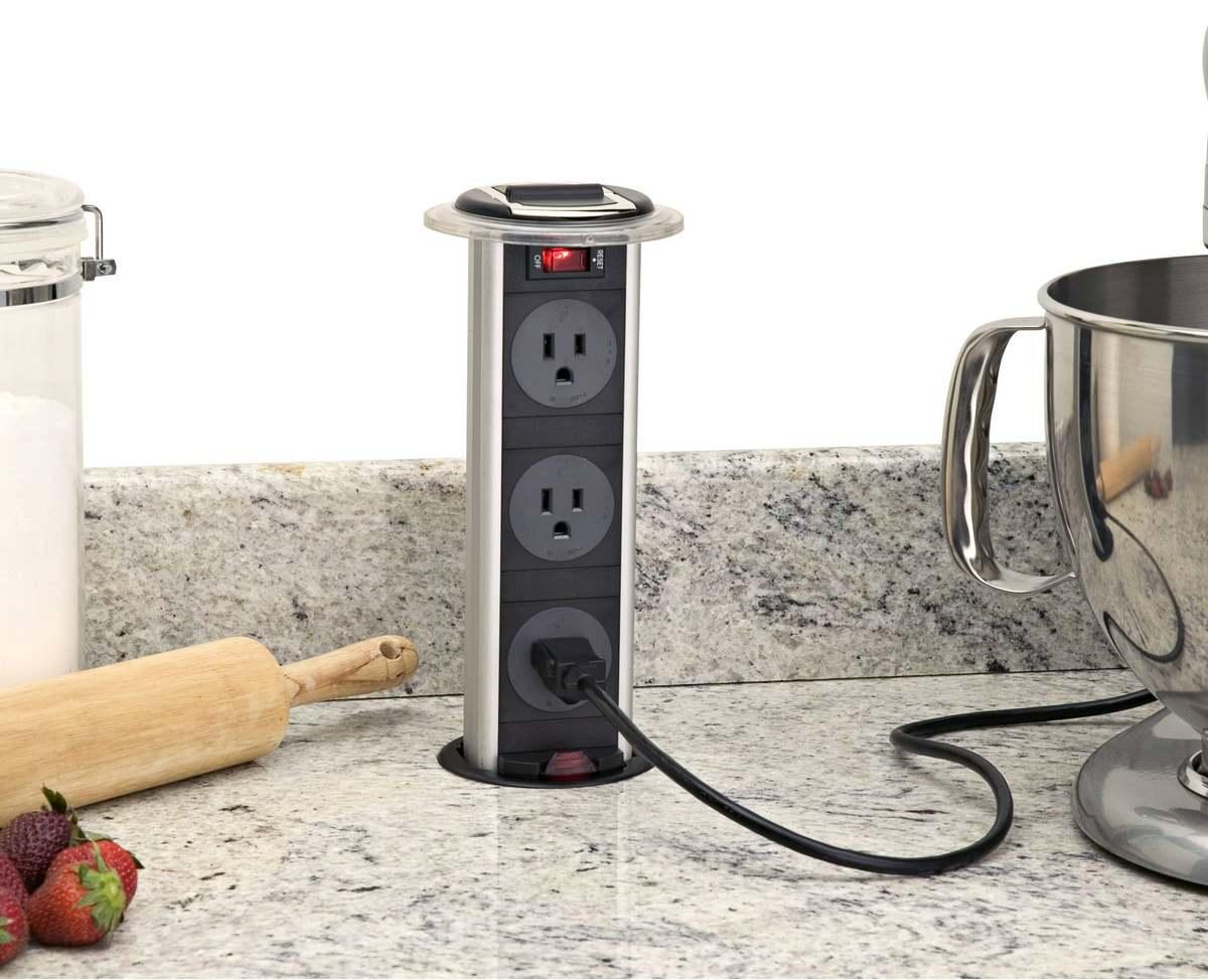 Не допускайте попадания влаги в розетку на кухне, так как это может привести к плачевному результату