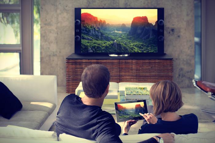 Куда интересней и удобней просматривать видео, изображение и прочую информацию через широкоформатный экран, нежели мучиться на маленьком 7-ми или 10-дюймовом экране