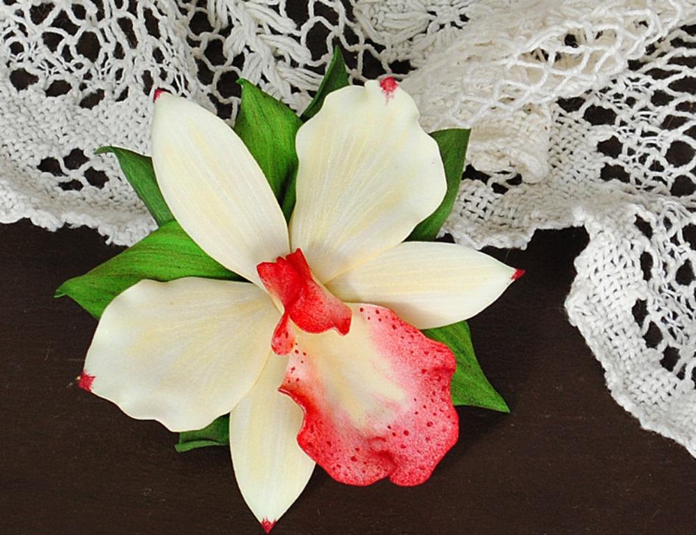 Перед тем как приступать к изготовлению орхидеи, необходимо правильно подобрать цвета фоамирана