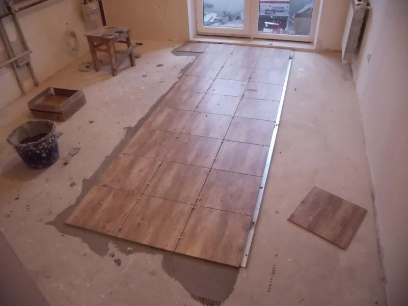 Если вы заметили повреждения на плитке, их можно устранить самостоятельно