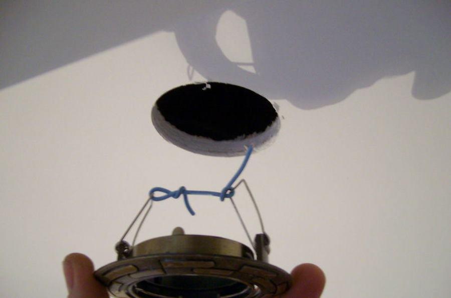 установка встроенных светильников в гипсокартон