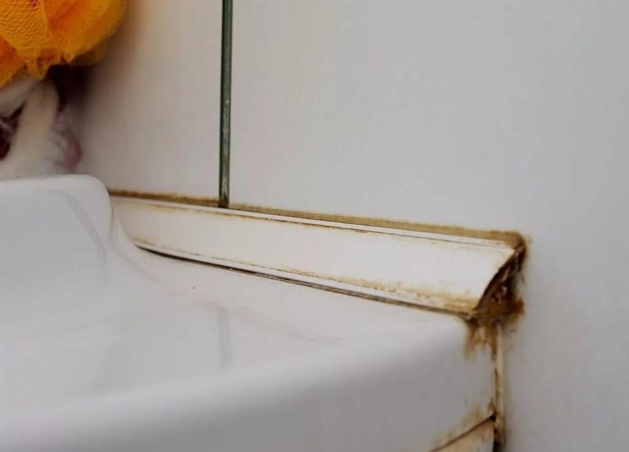 Плинтус на ванну чтобы не затекала вода