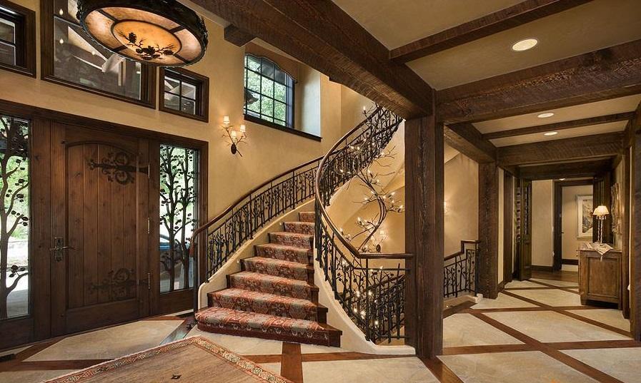 красивый холл с деревом в доме фото ростовая теплица