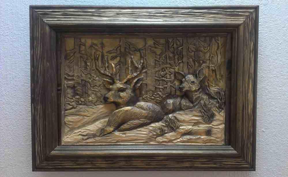 Наиболее частыми сюжетами для панно являются изображения растений и животных