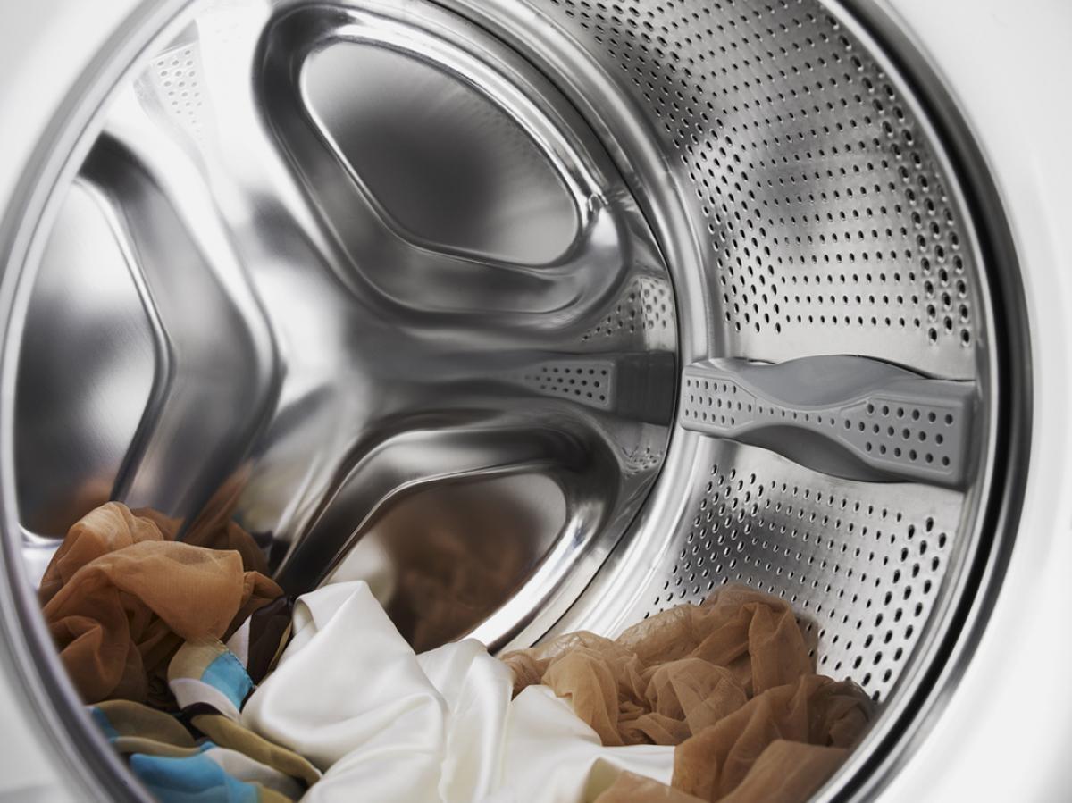 Стиральная машина может не отжимать в связи с тем, что вы загрузили слишком много одежды