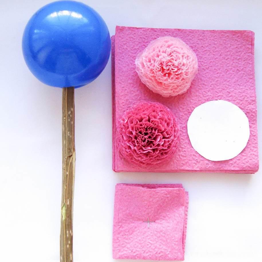В качестве заготовки кроны топиария можно использовать детский пластиковый мяч, также можно сделать шар из пенопласта или макрофлекса