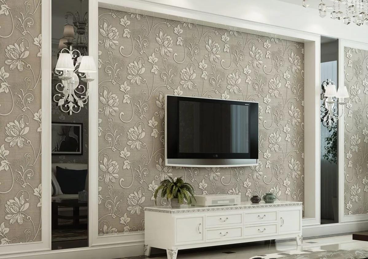 Выбирать высоту для размещения телевизора следует в зависимости от размеров комнаты и расположения дивана