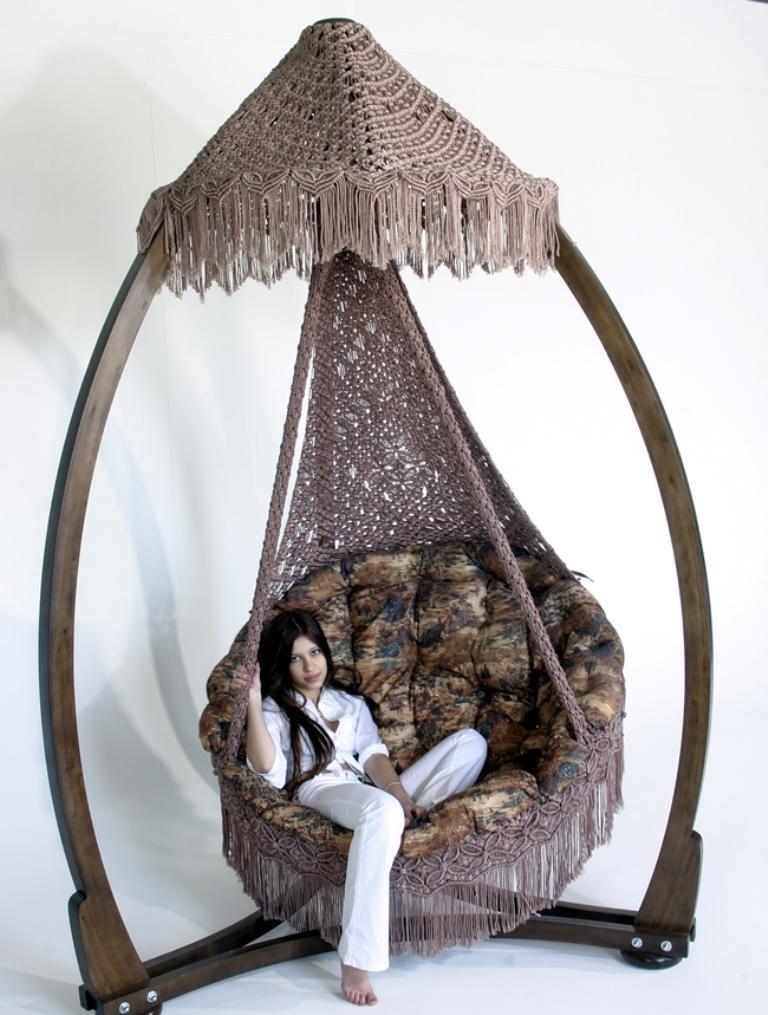 Сделать кресло-гамак необычным и оригинальным можно при помощи интересных узоров
