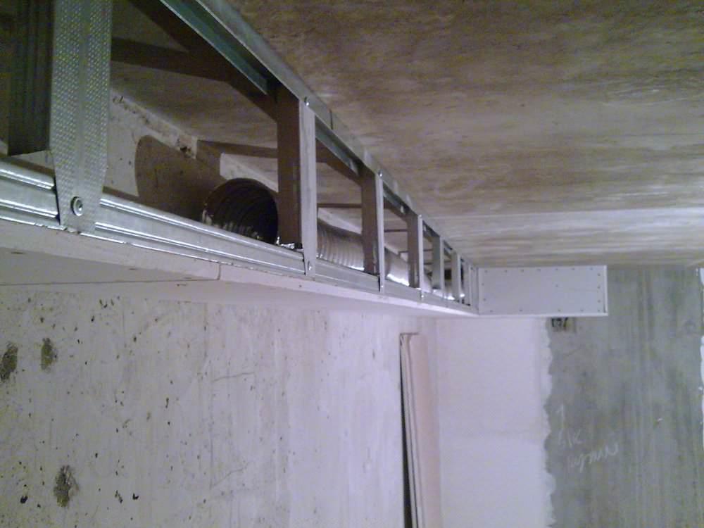 Правильная вентиляция позволит сохранить на кухне необходимую влажность