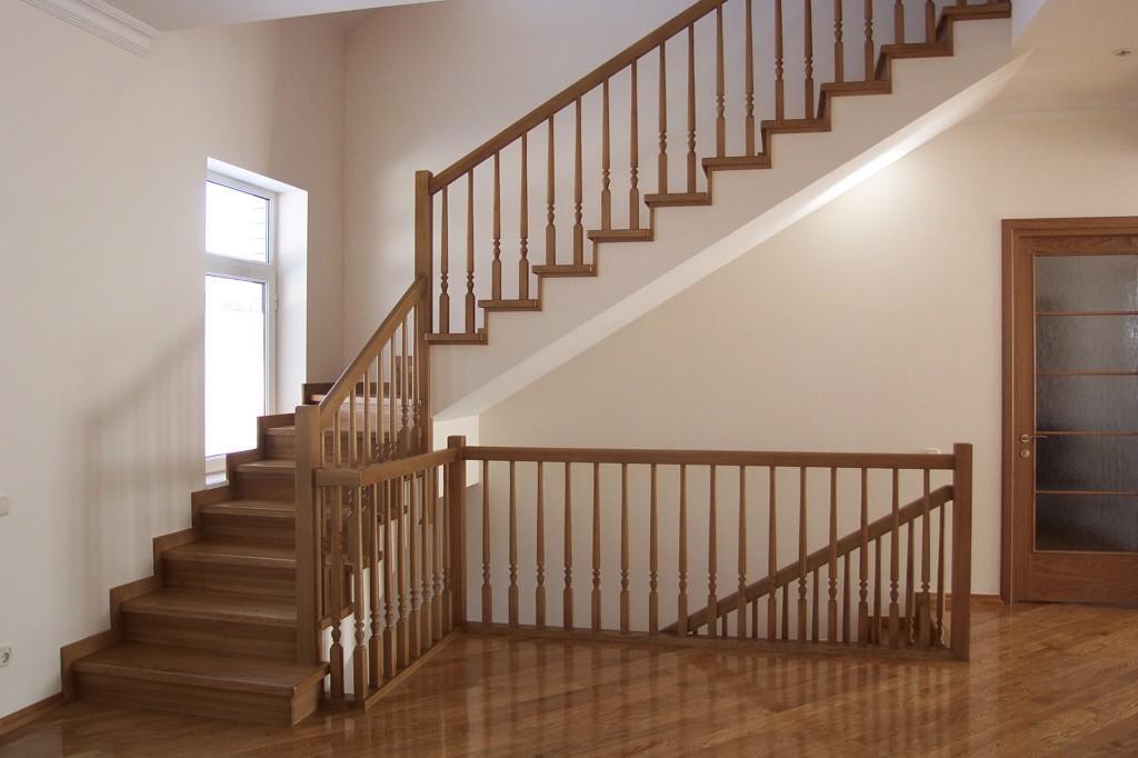 Лестница должна быть не только прочной, но и способной выдержать большие нагрузки