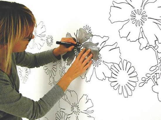 Если вы умеете рисовать, то непременно попробуйте художественную роспись на кухне