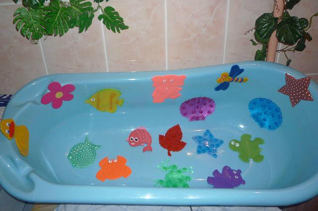 Наклейка в ванную для детей - прекрасный выбор для украшения керамической плитки