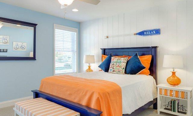 Организовать интерьер небольшой спальни гораздо проще и экономичнее, чем оформить большое помещение