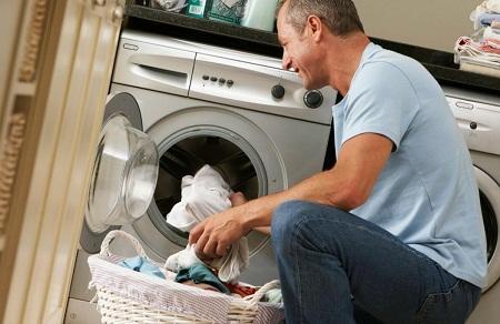 Если стиральная машина не отжимает, то, возможно, сгорела какая-то плата