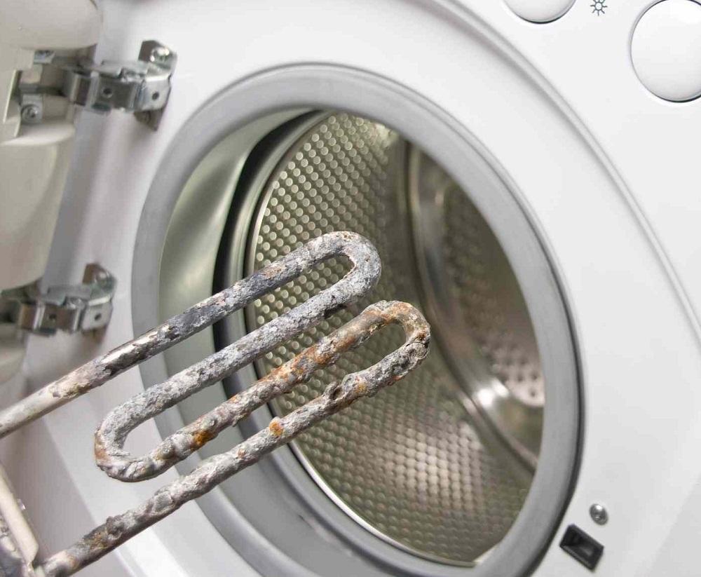 Существуют специальные средства, которые следует использовать при эксплуатации стиральной машины для защиты от накипи