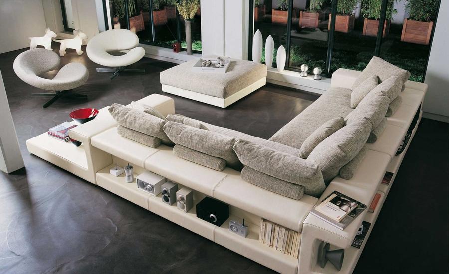 На сегодняшний день так же как и прежде, остаются в тренде классические варианты диванов