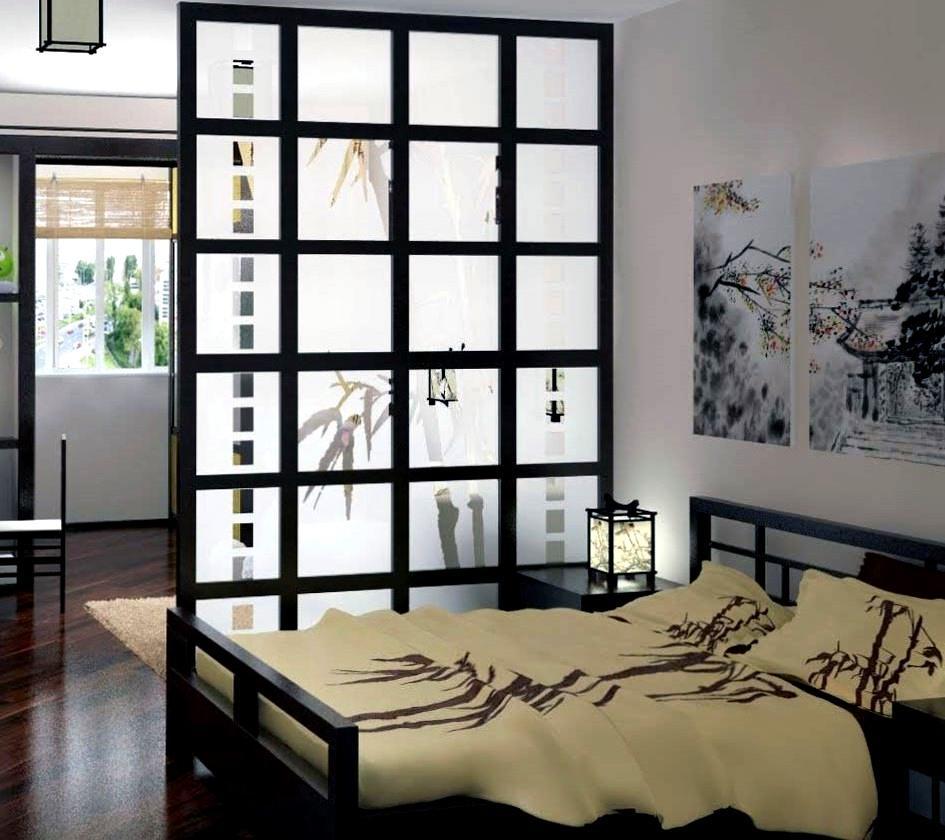 Раздвижная перегородка из бамбука, используемая в качестве межкомнатной двери, является обязательным атрибутом спальни в японском стиле