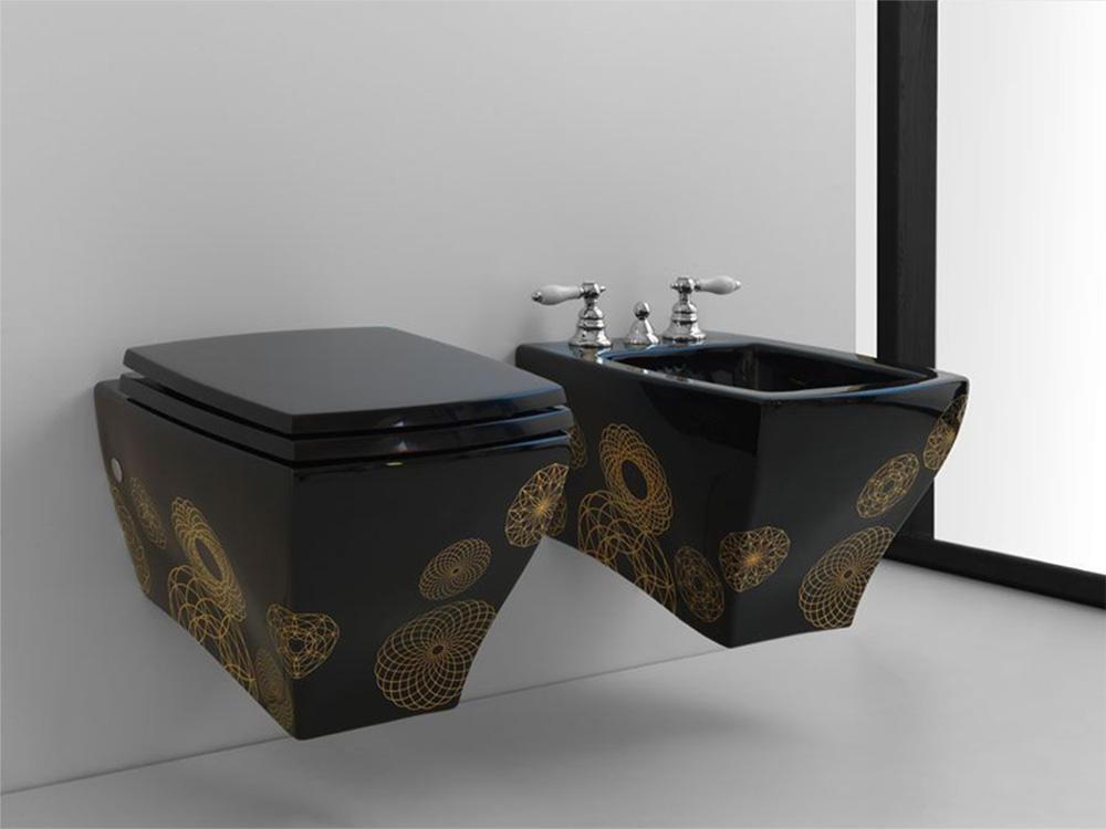 Для обустройства ванной комнаты можно использовать современный подвесной унитаз с полочкой в чаше
