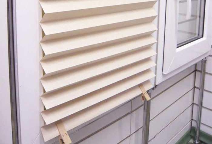 Изделия, созданные своими руками, ценятся гораздо выше, чем обычные, покупные шторы