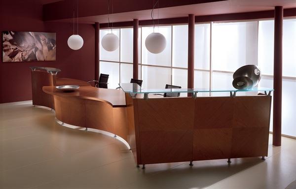 Именно с этой комнаты начинается знакомство потенциальных клиентов, партнеров и работников с фирмой