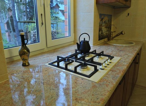 Кухонная столешница из гранита Шивакаши голд