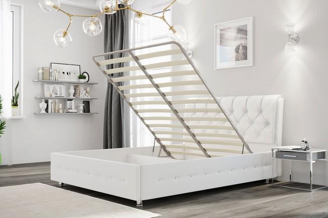 Кровать с подъемным механизмом в интерьере